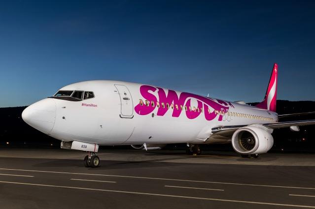 Swoop 737-800